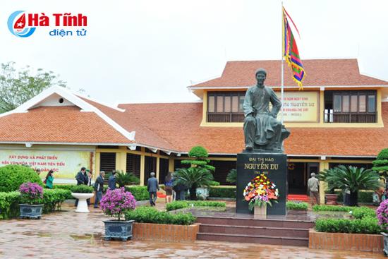 Khu lưu niệm Đại thi hào Nguyễn Du luôn là lựa chọn đầu tiên của du khách khi về du lịch Nghi Xuân