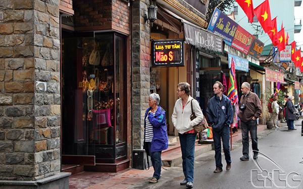 Khách quốc tế đến Việt Nam đạt gần 10,5 triệu lượt trong 10 tháng