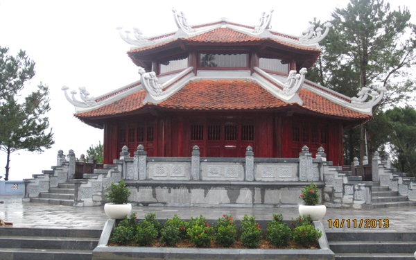 Đền thờ cố Tổng Bí thư Lê Duẩn