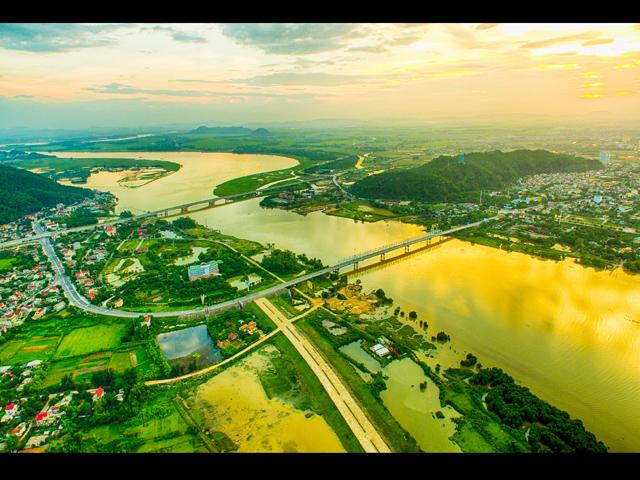 Núi Hồng Sông Lam - Ảnh Sách Nguyễn
