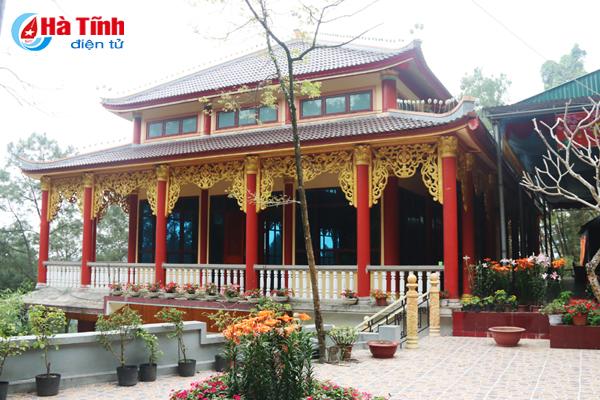 Độc đáo ngôi chùa nằm trong hang đá ở Hà Tĩnh